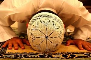 ما سبب عدم قبول الصلاه ؟